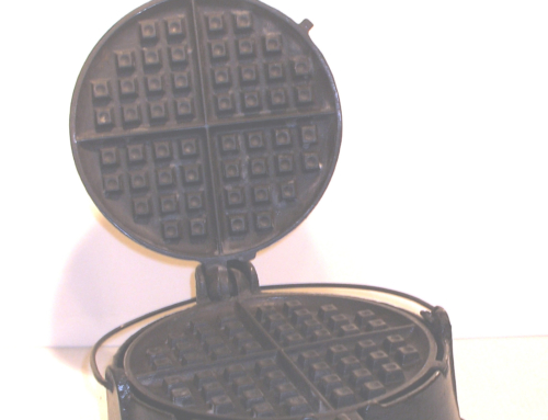 GRISWOLD No. 8CAST IRON WAFFLE IRON